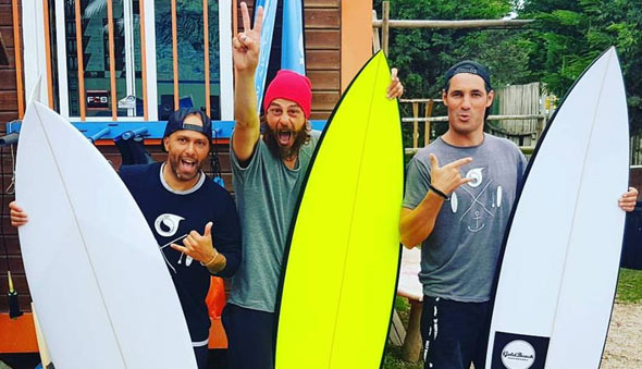 EXTRAS SURF HOUSE
