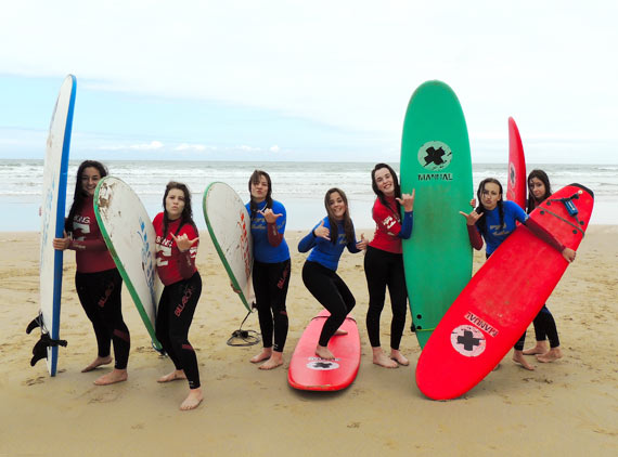 Surf Camp niños agosto en Suances